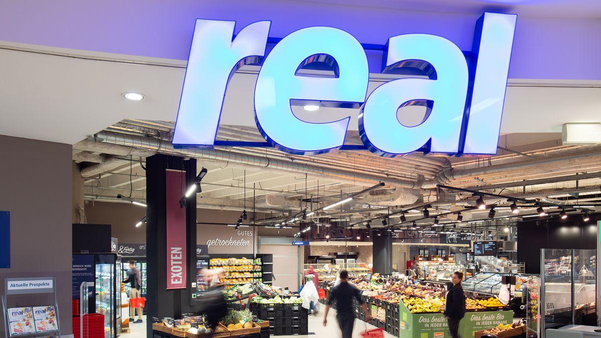 real-Supermarkt Eingangsbereich
