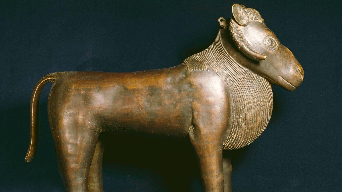 Feingearbeitete Tierfigur aus Bronze