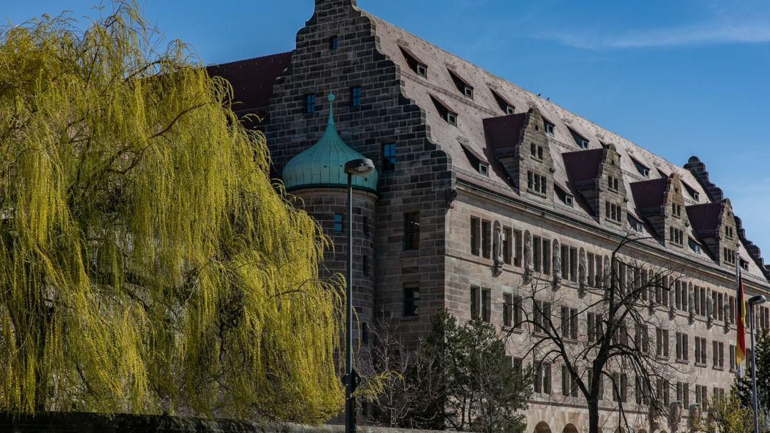 Der Justizpalast in Nürnberg mit dem Landgericht Nürnberg-Fürth