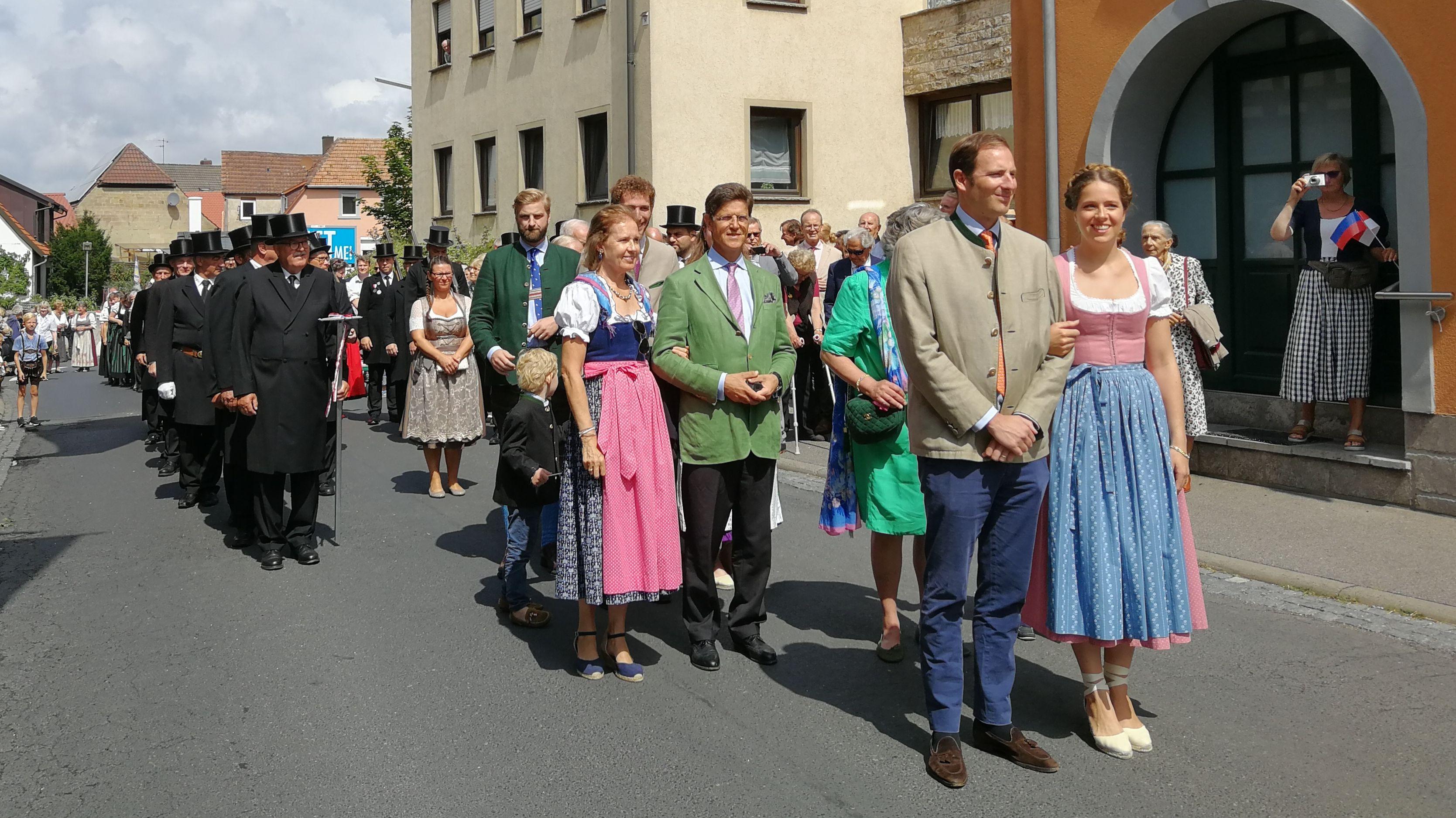 Festzug mit dem Fürstenpaar