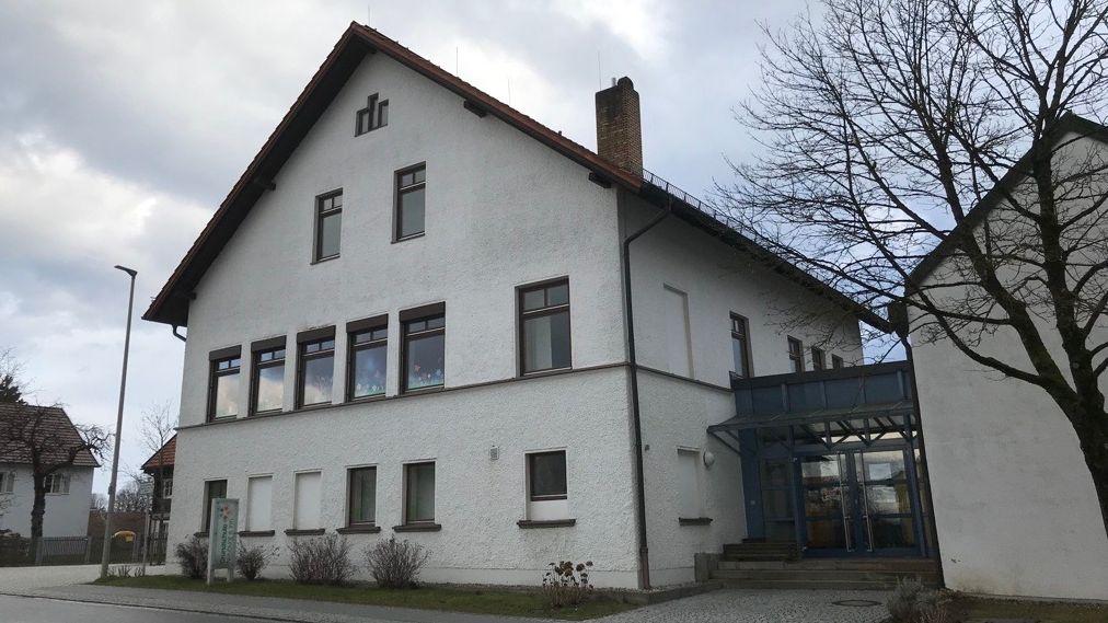 Die Schule in Dommelstadl