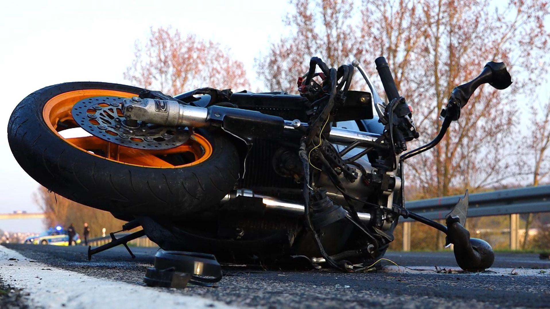 Motorradfahrer bei Frickenhausen tödlich verunglückt
