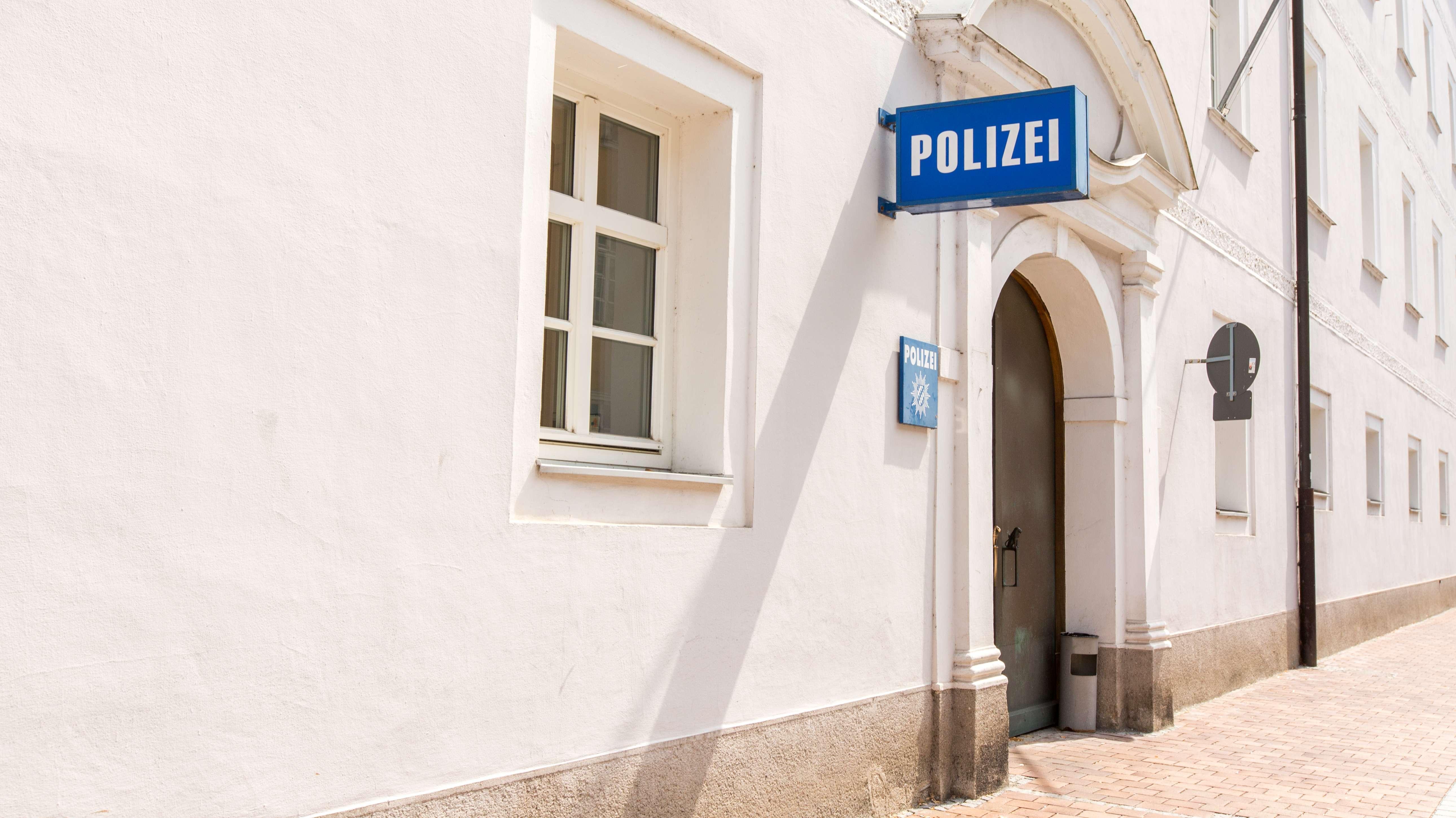 Der Eingang der Landshuter Polizei in der Neustadt