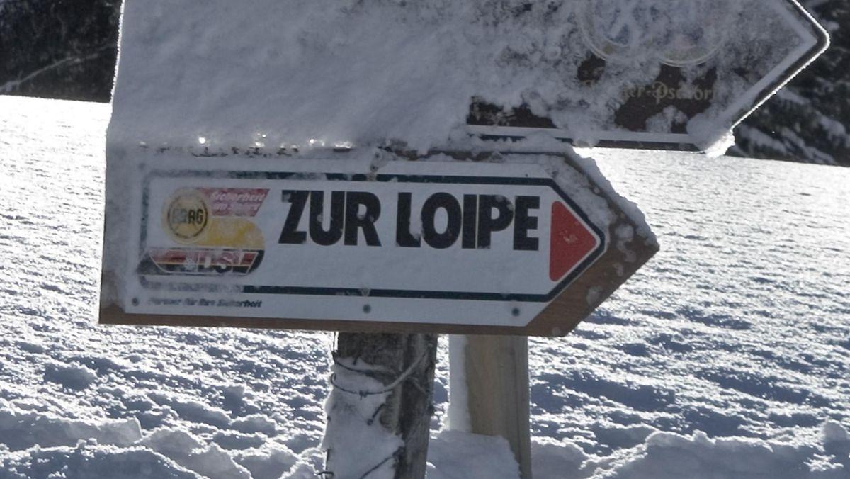 Hinweisschild auf Langlaufloipe (Spitzingsee)