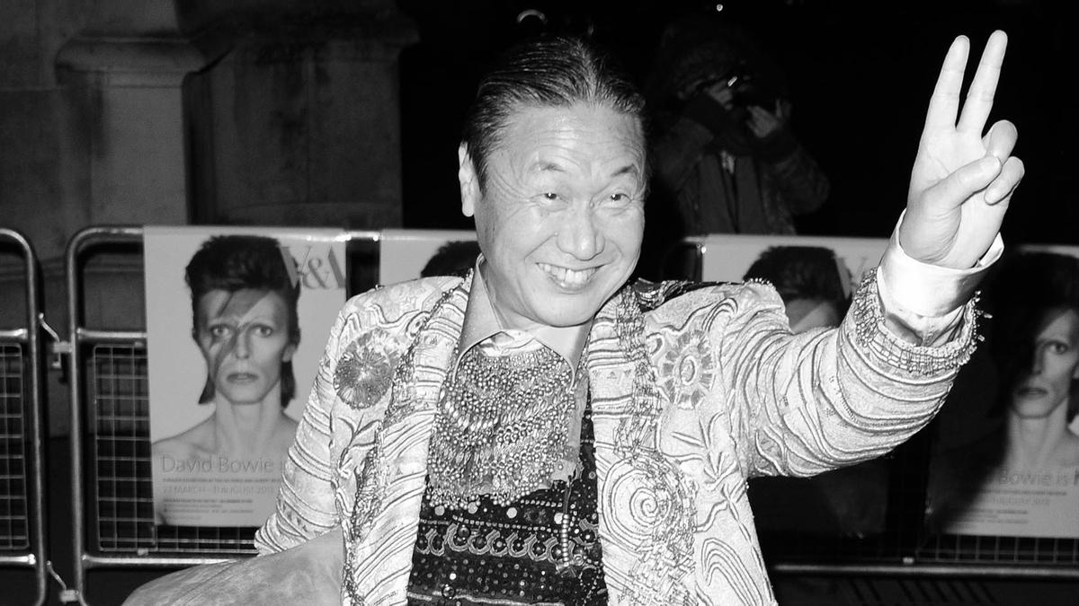 Der japanische Modedesigner Kansai Yamamoto ist tot (Archiv, Yamamoto 2013 in London)