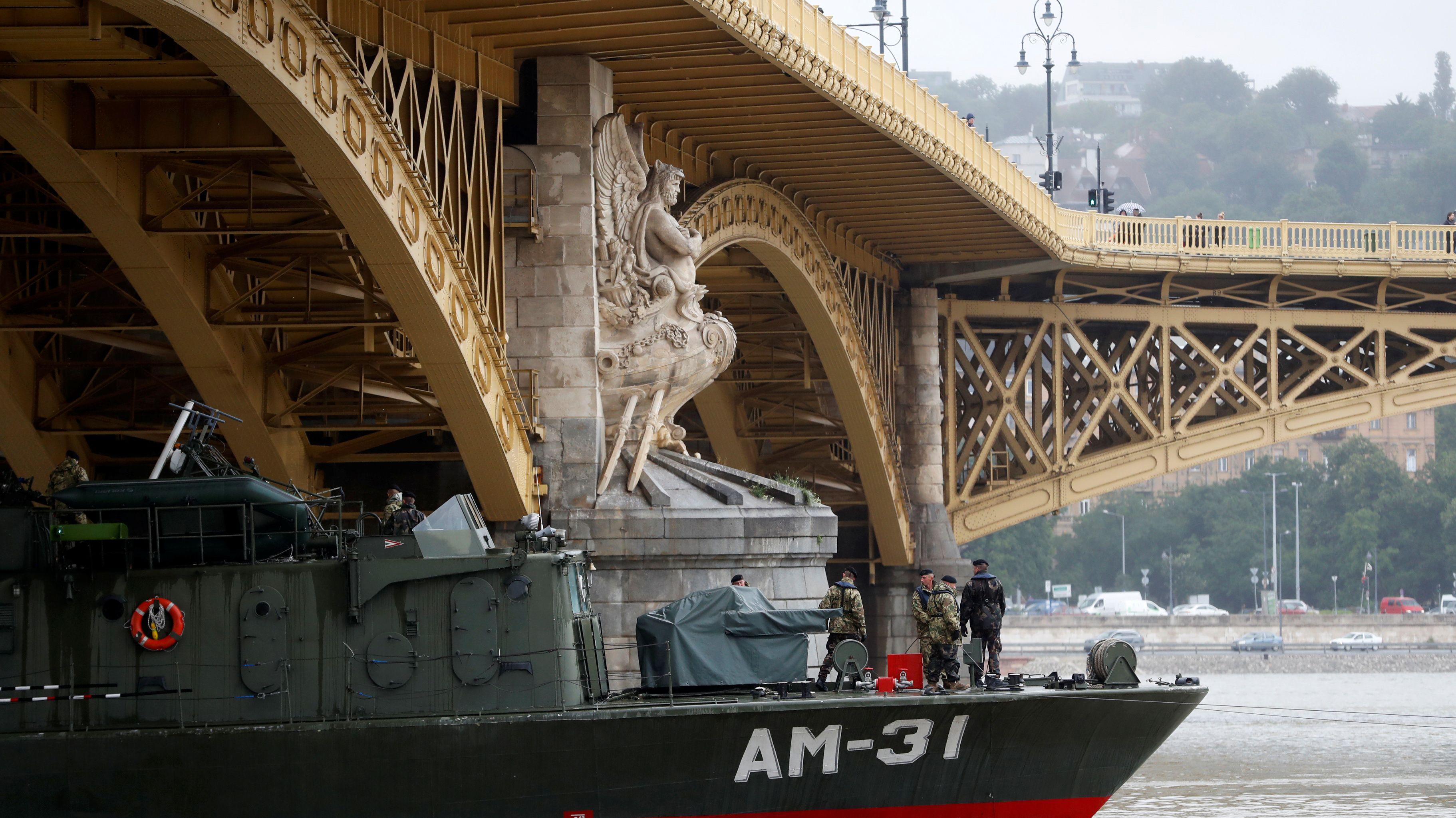 Suche nach den Vermissten des Schiffsunglücks