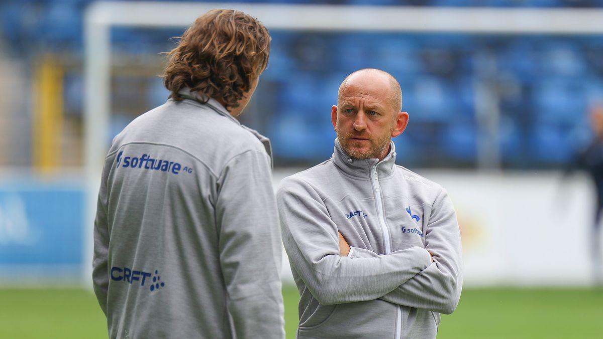 Darmstadts Sportchef Carsten Wehlmann (links) und Trainer Torsten Lieberknecht