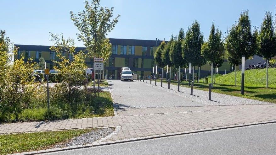 Die Realschule in Schöllnach im Kreis Deggendorf