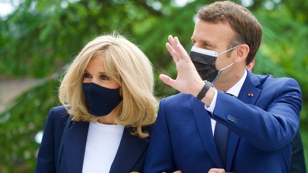 Frankreichs Präsident Emmanuel Macron am Tag der Regionalwahl gemeinsam mit seiner Frau.
