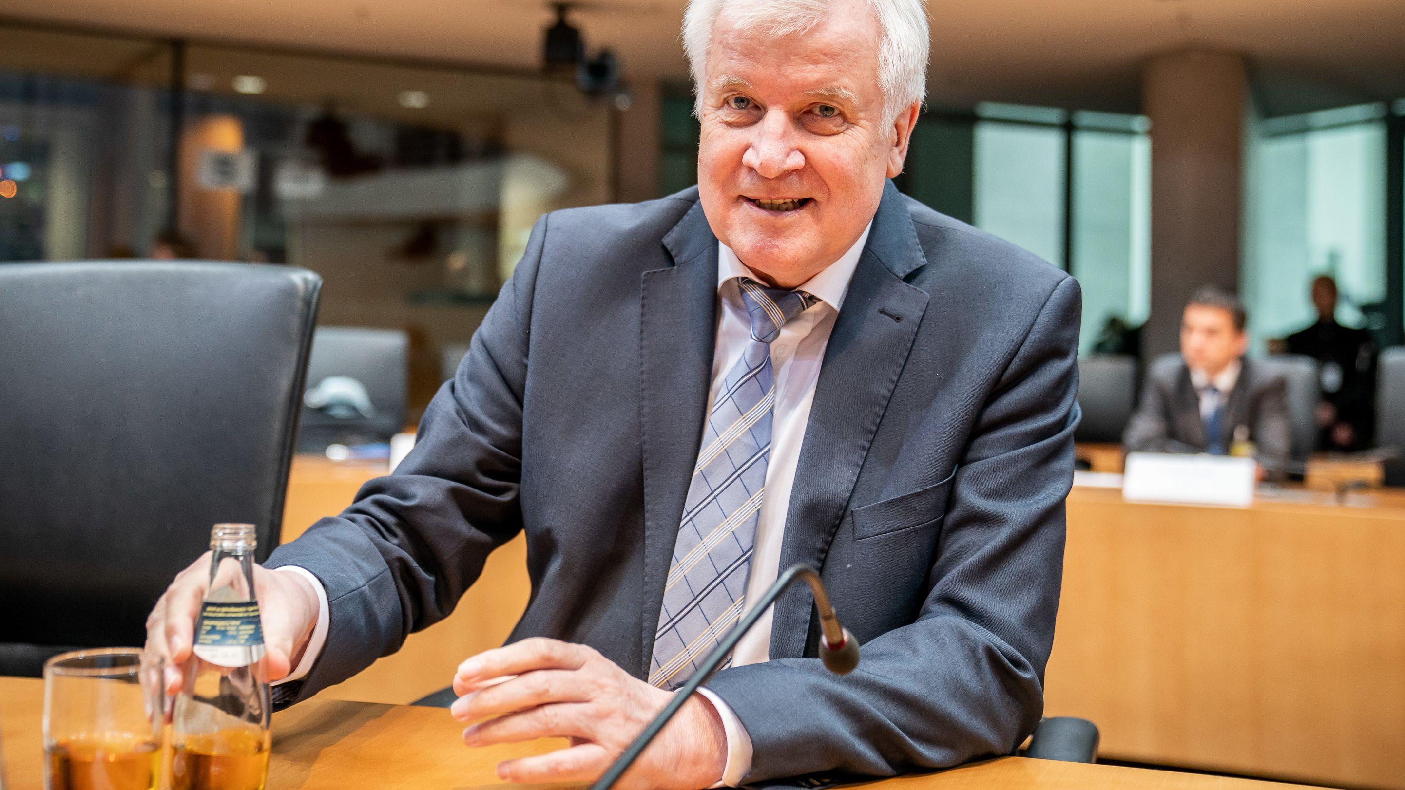 Horst Seehofer im Maut-Untersuchungsausschuss