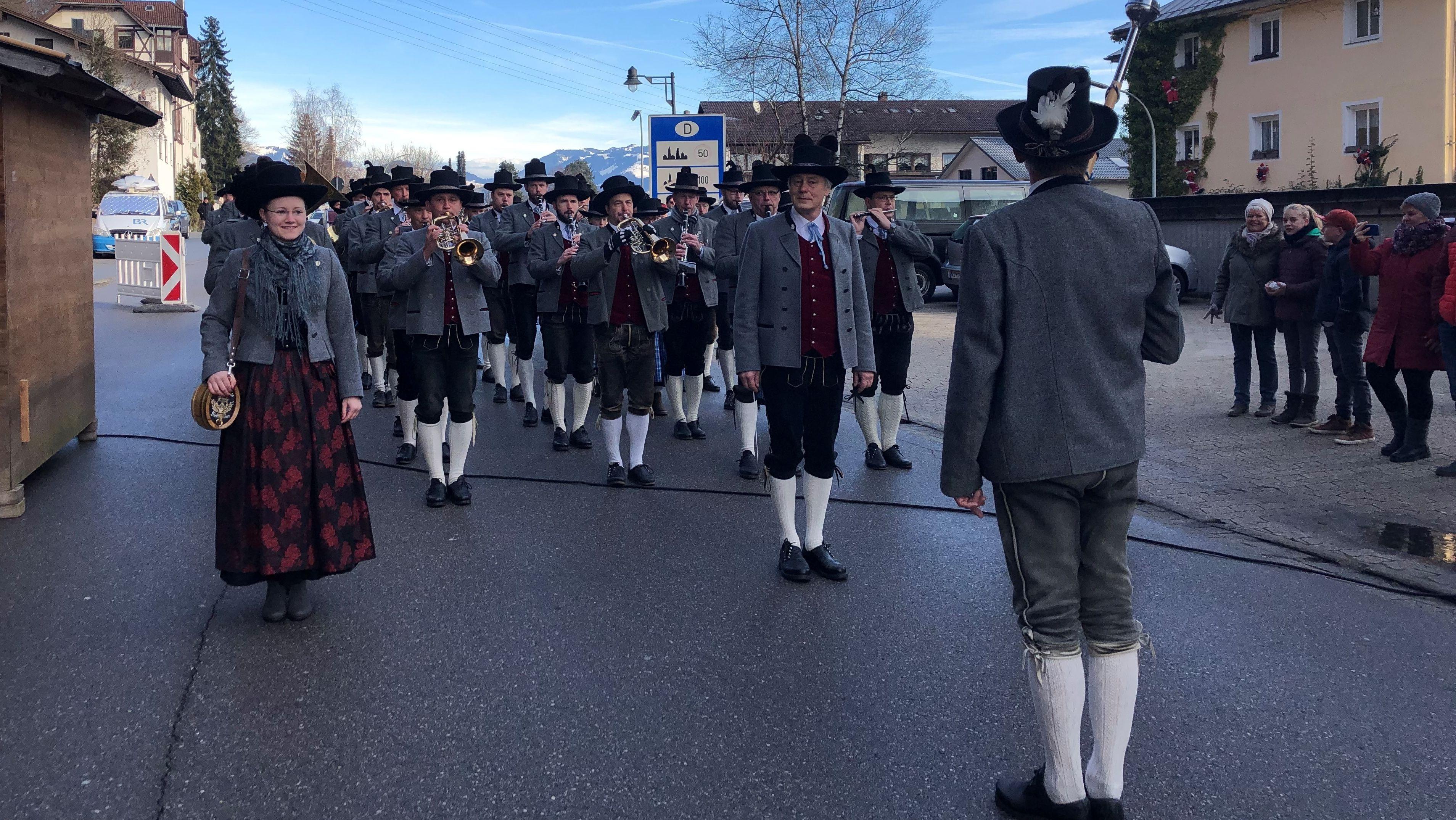 Die Musikkappel Kiefersfelden beim Bürgerfest am Sonntag, 15.12.2019
