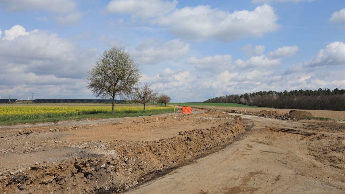 Rückbau von Feldweg - Mit teerhaltigem Material belastet