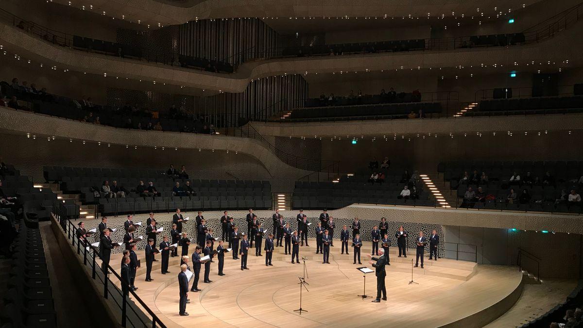 Auftritt der Regensburger Domspatzen in der Elbphilharmonie