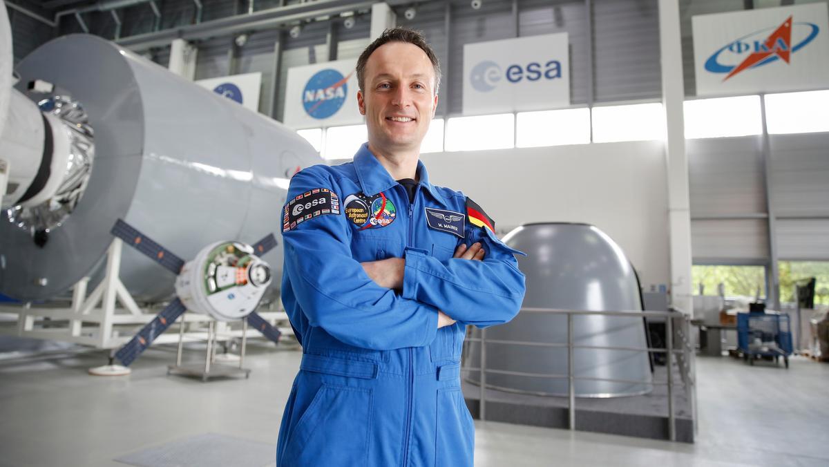 Der deutsche Astronaut Matthias Maurer hat seine Grundausbildung geschafft. Jetzt trainiert er gezielt für kommende Missionen ins All.