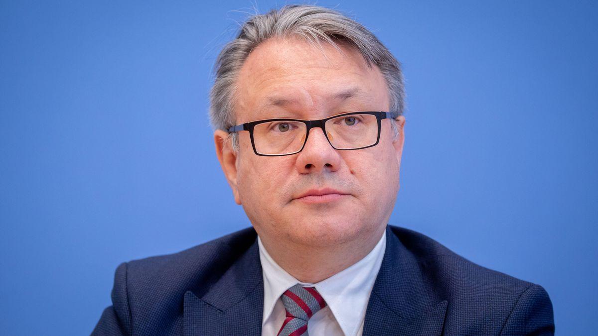 Georg Nüßlein (CSU), stellvertretender Vorsitzender der CDU/CSU-Bundestagsfraktion seiht den Vorstoß von CSU-Chef Markus Söder kritisch