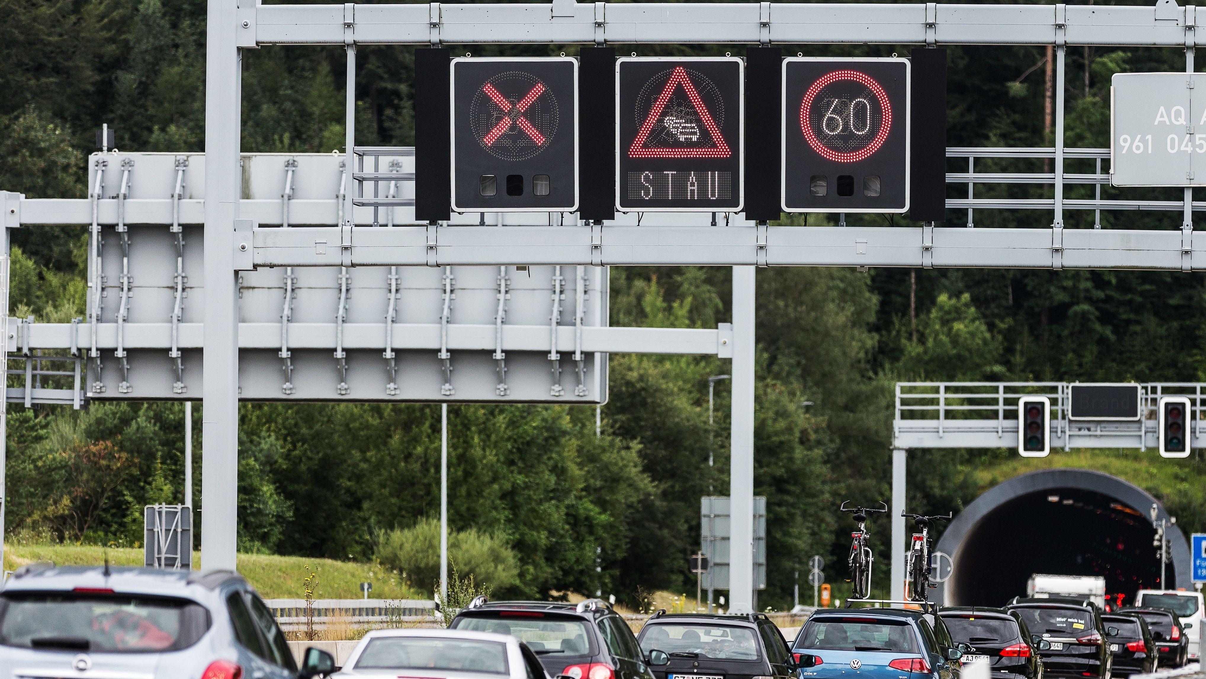 Stockender Verkehr am Grenztunnel Füssen (Archivbild)