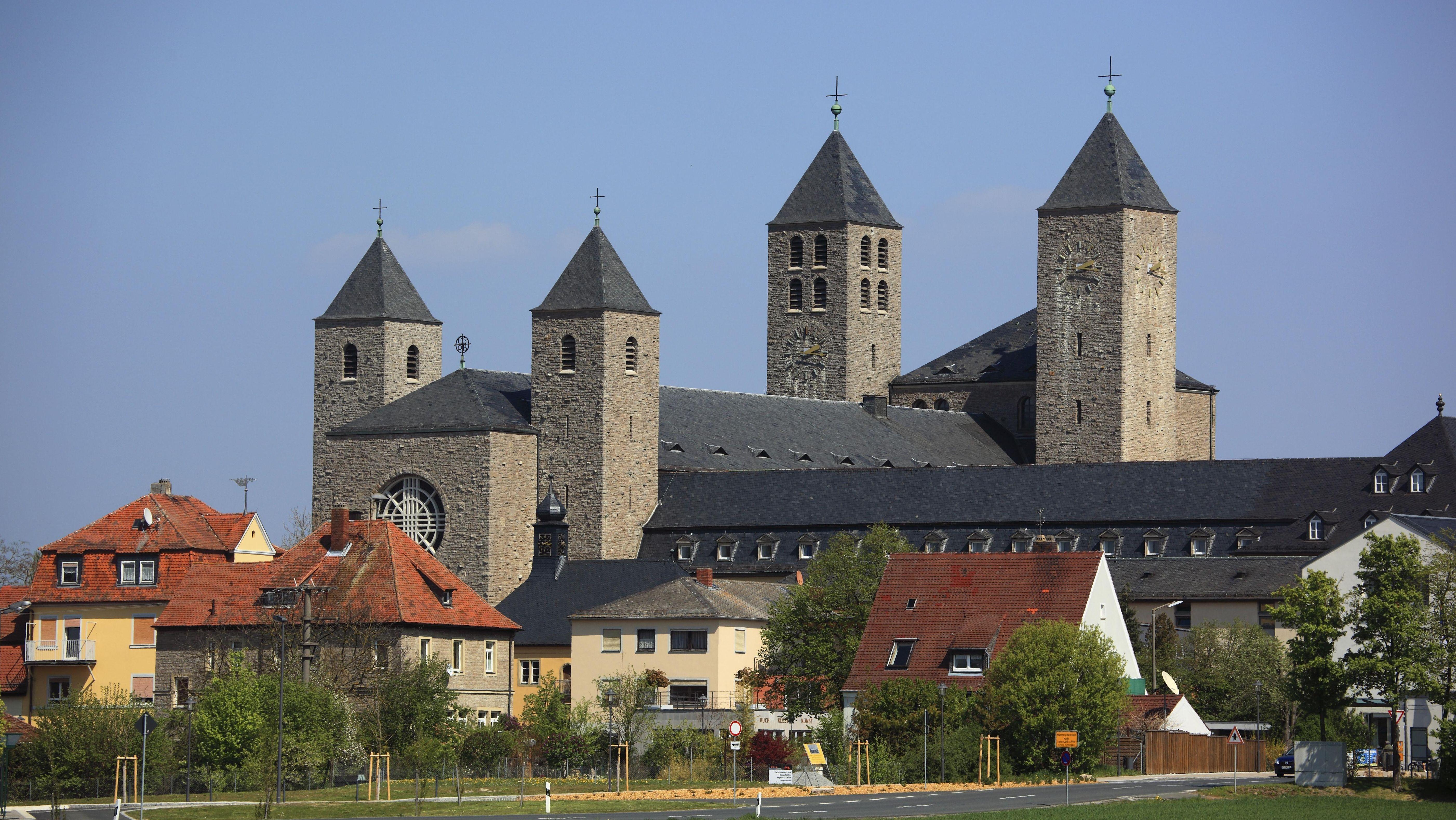 Die Benediktinerabtei Münsterschwarzach (Lkr. Kitzingen)