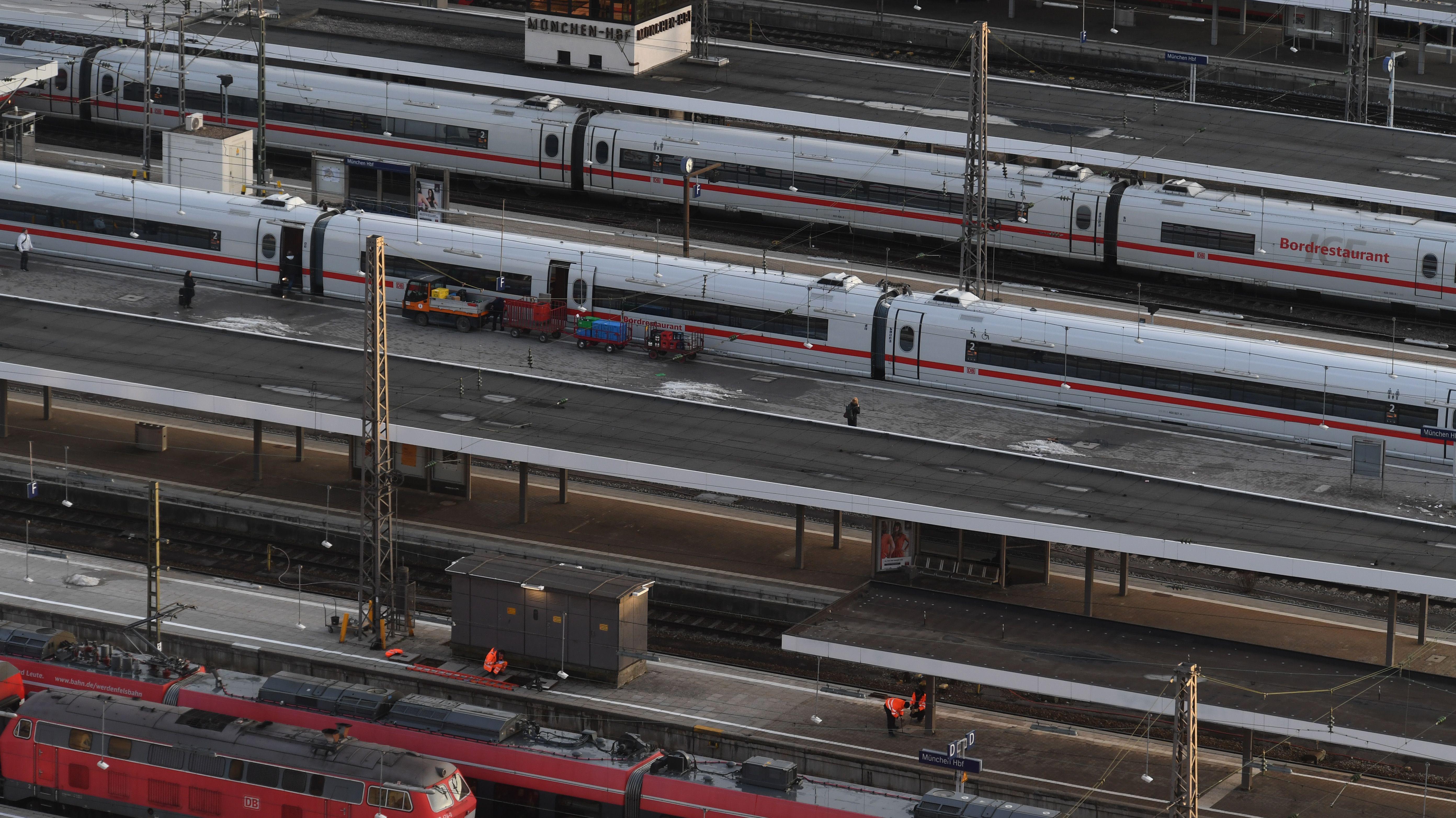 Blick auf die Gleise am Hauptbahnhof in München