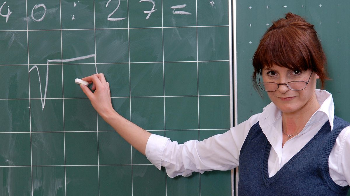 Lehrerin an Tafel