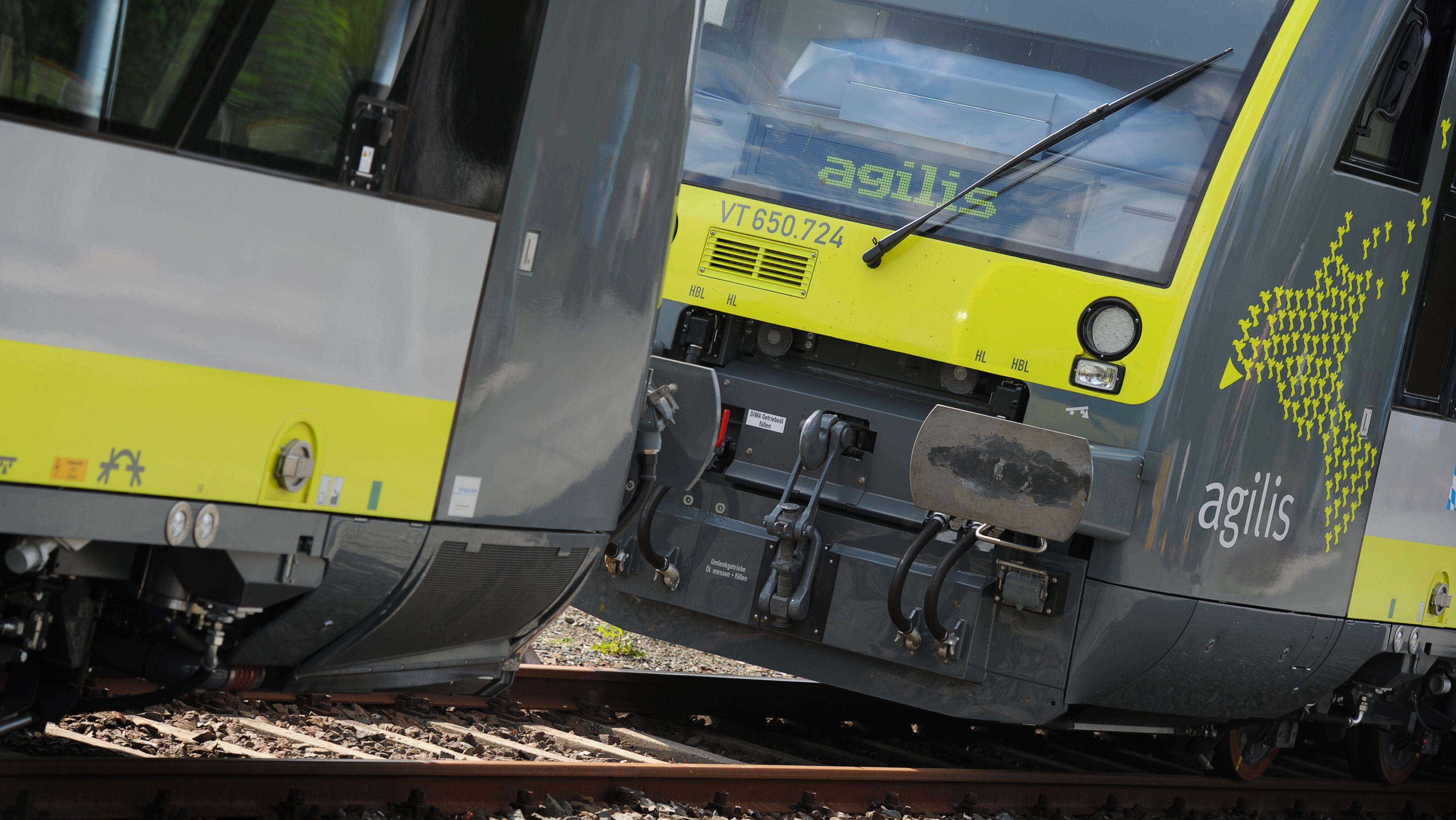 Dieselloks der Eisenbahngesellschaft Agilis.