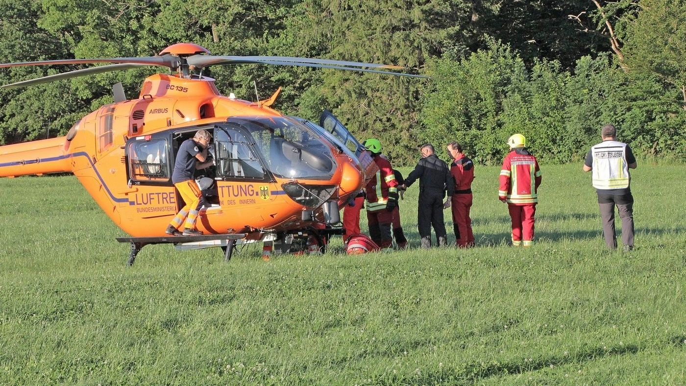 Drei der fünf Schwerverletzten mußten mit dem Hubschrauber ins Krankenhaus gebracht werden
