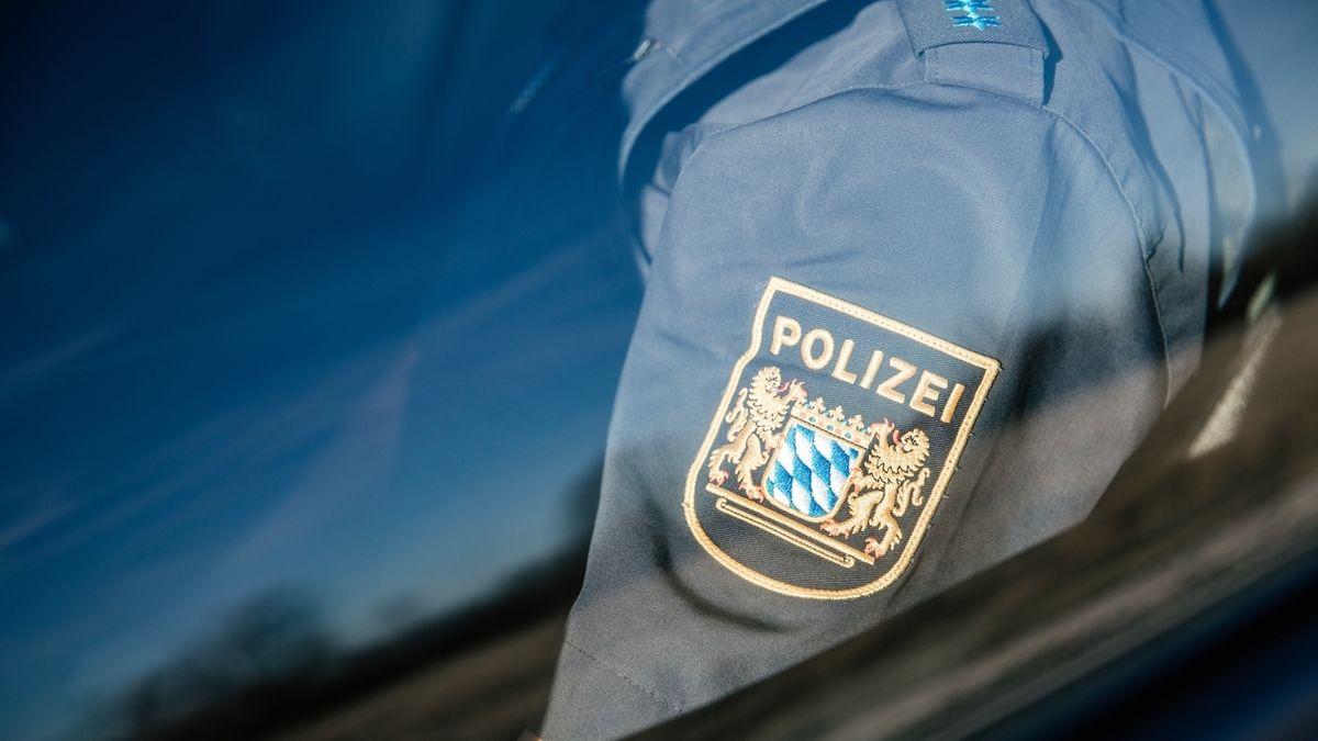 Die Uniform eines Polizisten