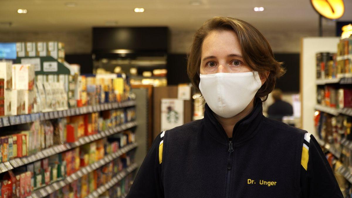 """Supermarktbesitzerin Barbara Unger: """"Man muss sich und andere schützen""""."""