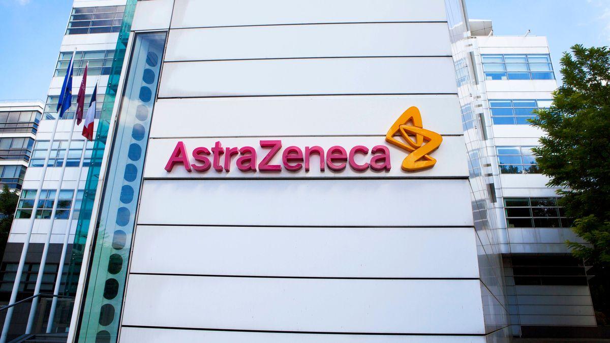 Ein Bild des Firmensitzes mit Logo von Astrazeneca