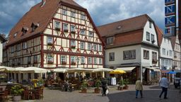 Die Innenstadt von Lohr am Main mit historischen Bauten. | Bild:picture alliance/imageBROKER