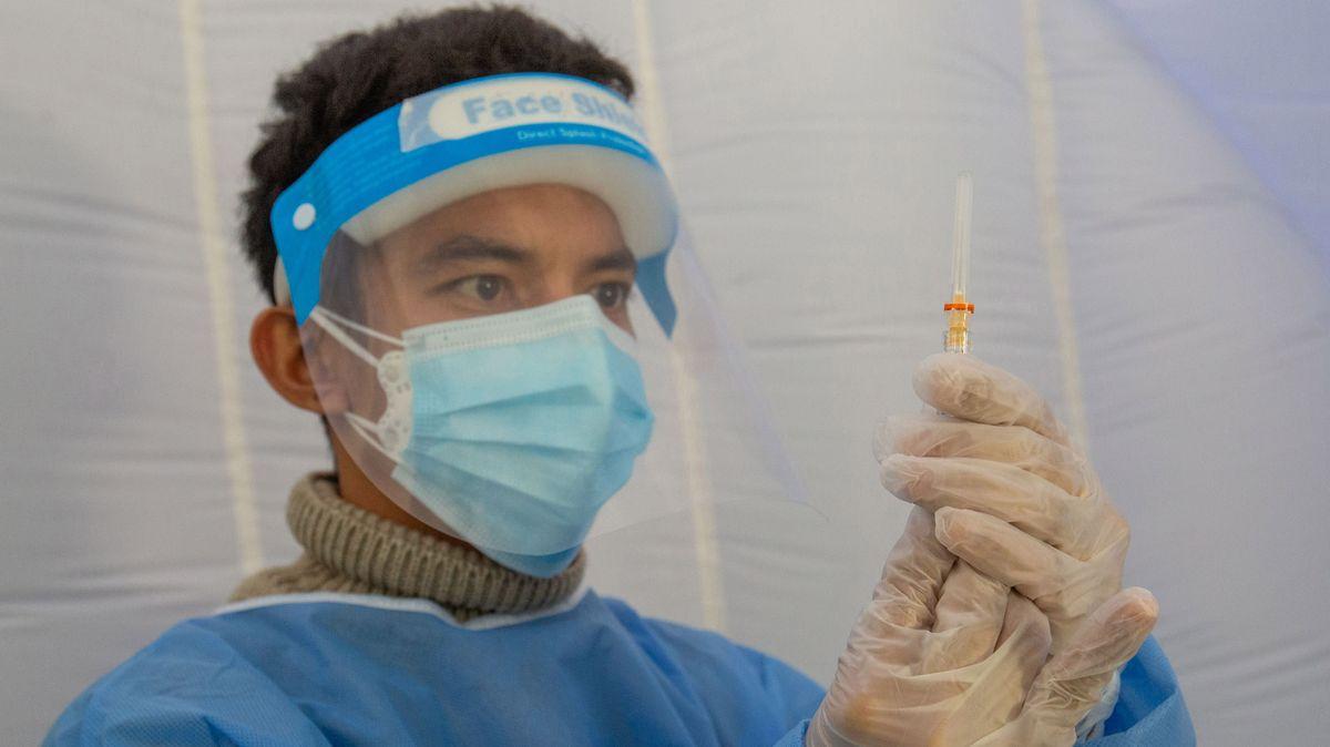 In Milano wird eine Corona-Impfung aufgezogen