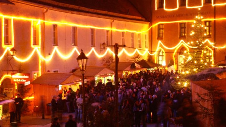 Budenzauber und weihnachtliche Idylle beim Burg-Advent in Neunburg vorm Wald