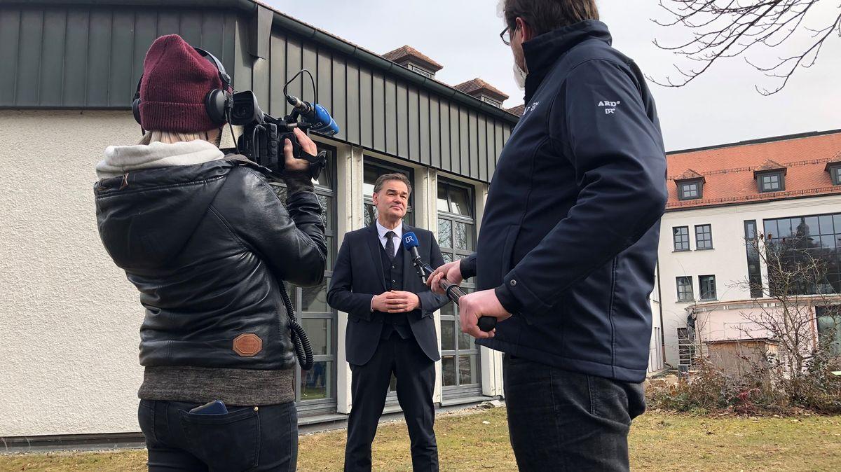 Interviewsituation mit Wunsiedels Landrat Peter Berek.