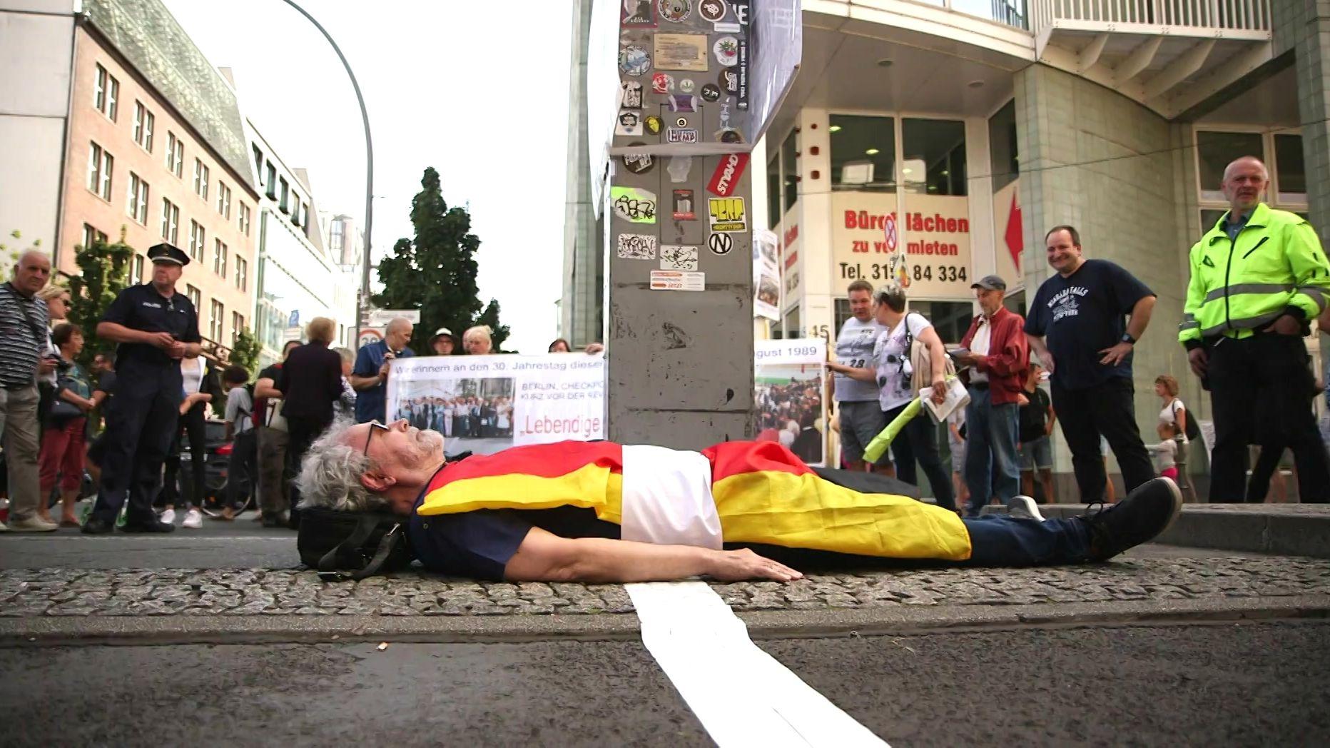 Carl-Wolfgang Holzapfel Checkpoint Charlie