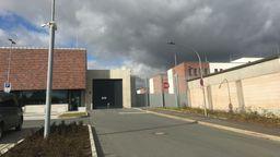 In Hof wird Bayerns größtes Abschiebegefängnis eröffnet.   Bild:BR/Annerose Zuber