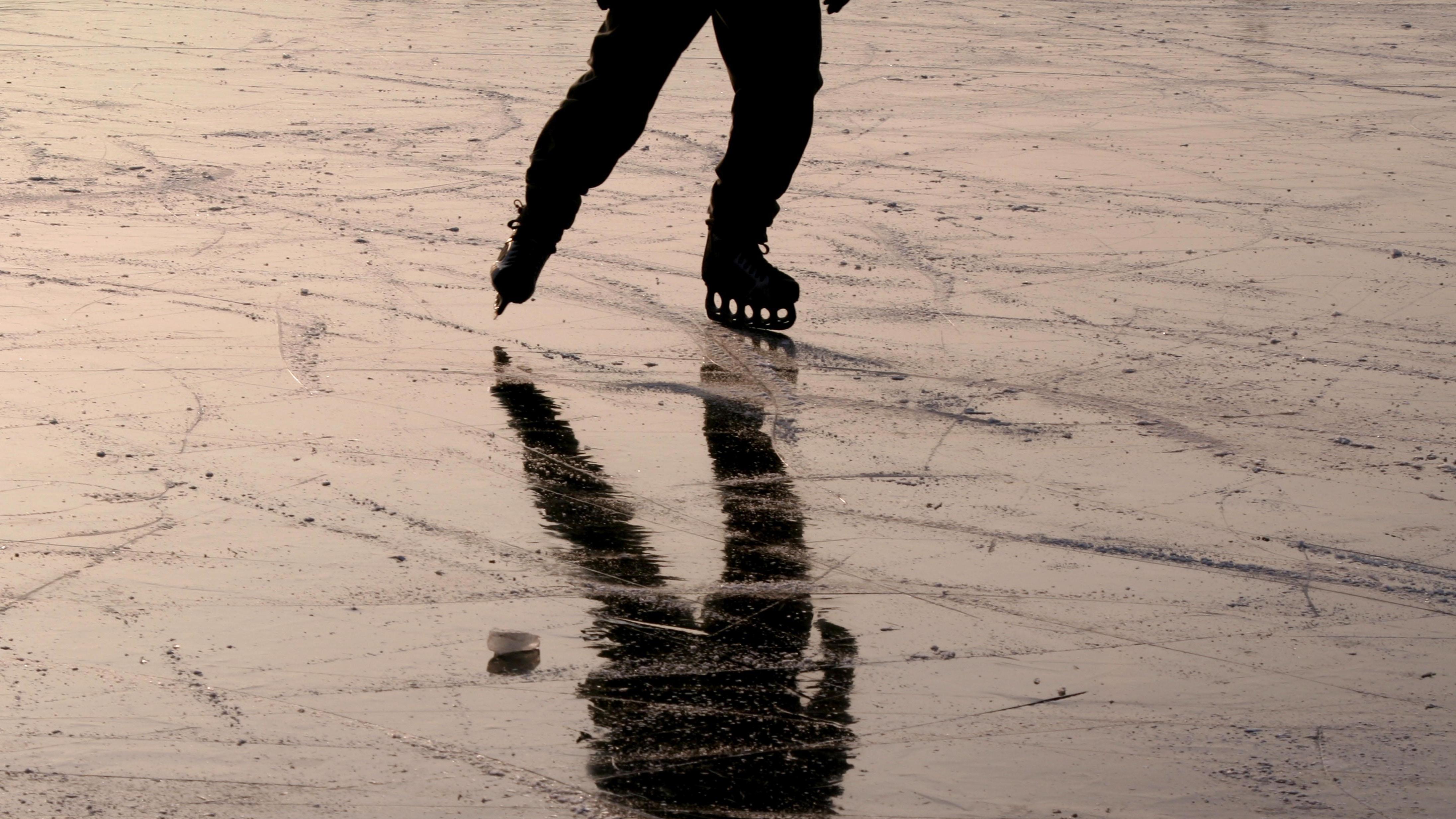 Schlittschuhläufer auf dem Eis