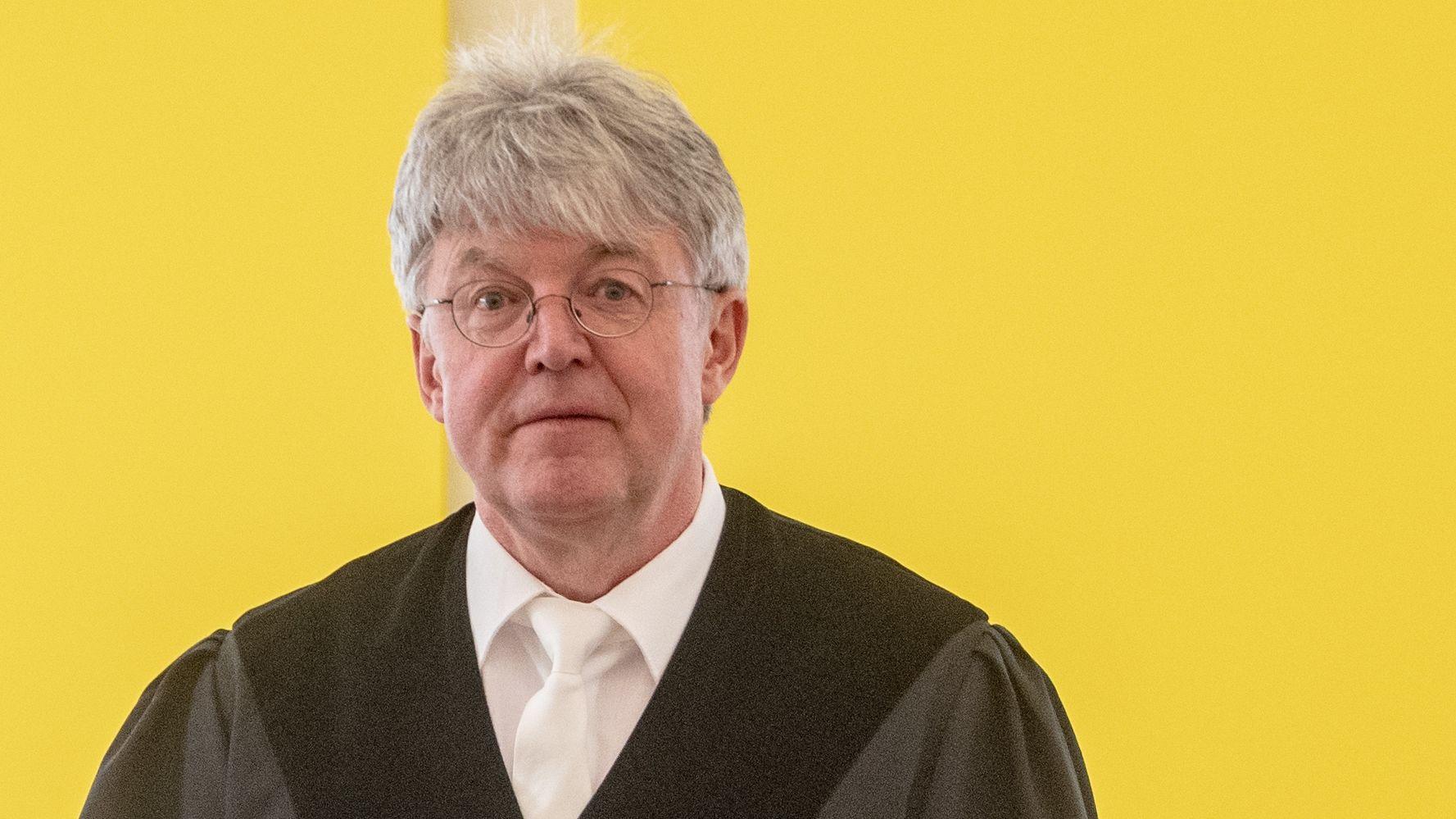 """Peter Jung, Richter im Prozess um die Amberger Prügeltour: Die Angeklagten dürften nicht als """"Blitzableiter"""" für Wutbürger herhalten, sagt er."""