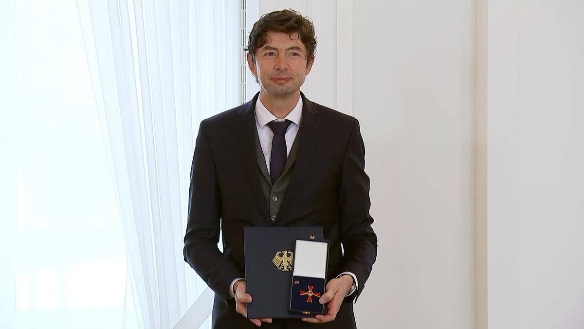 Virologe Christian Drosten mit Bundesverdienstkreuz