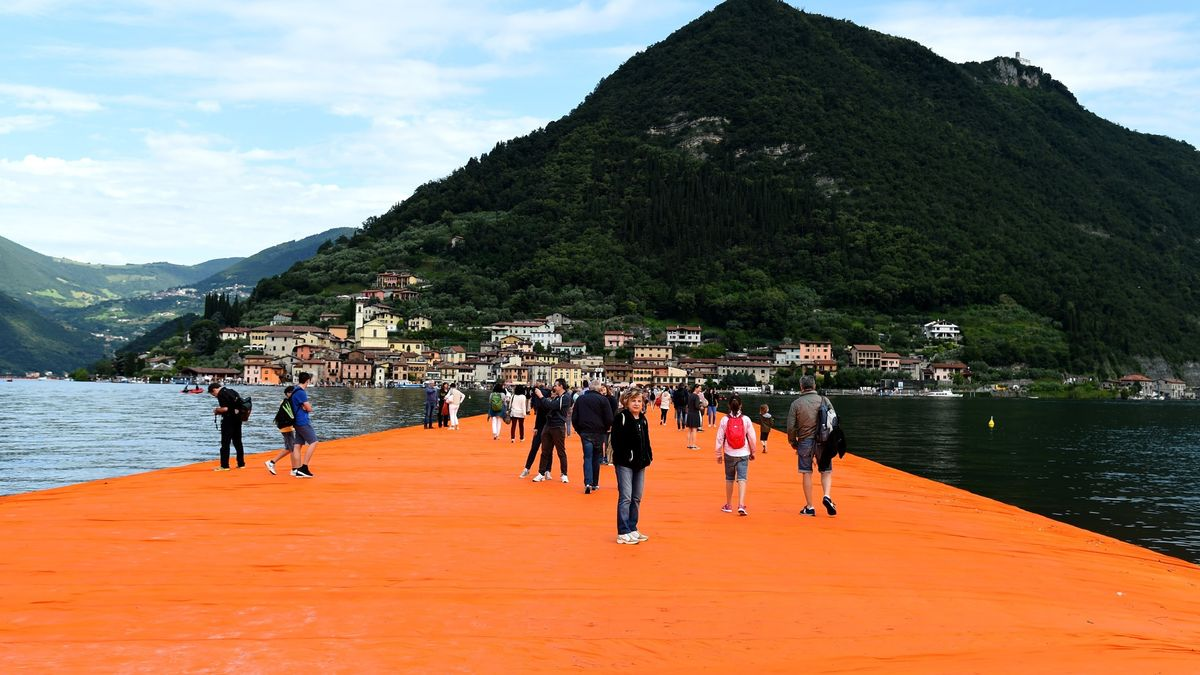 """""""Floating Piers"""""""