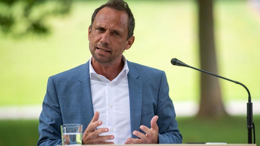 Bayerischer Umweltminister Thorsten Glauber (Freie Wähler)