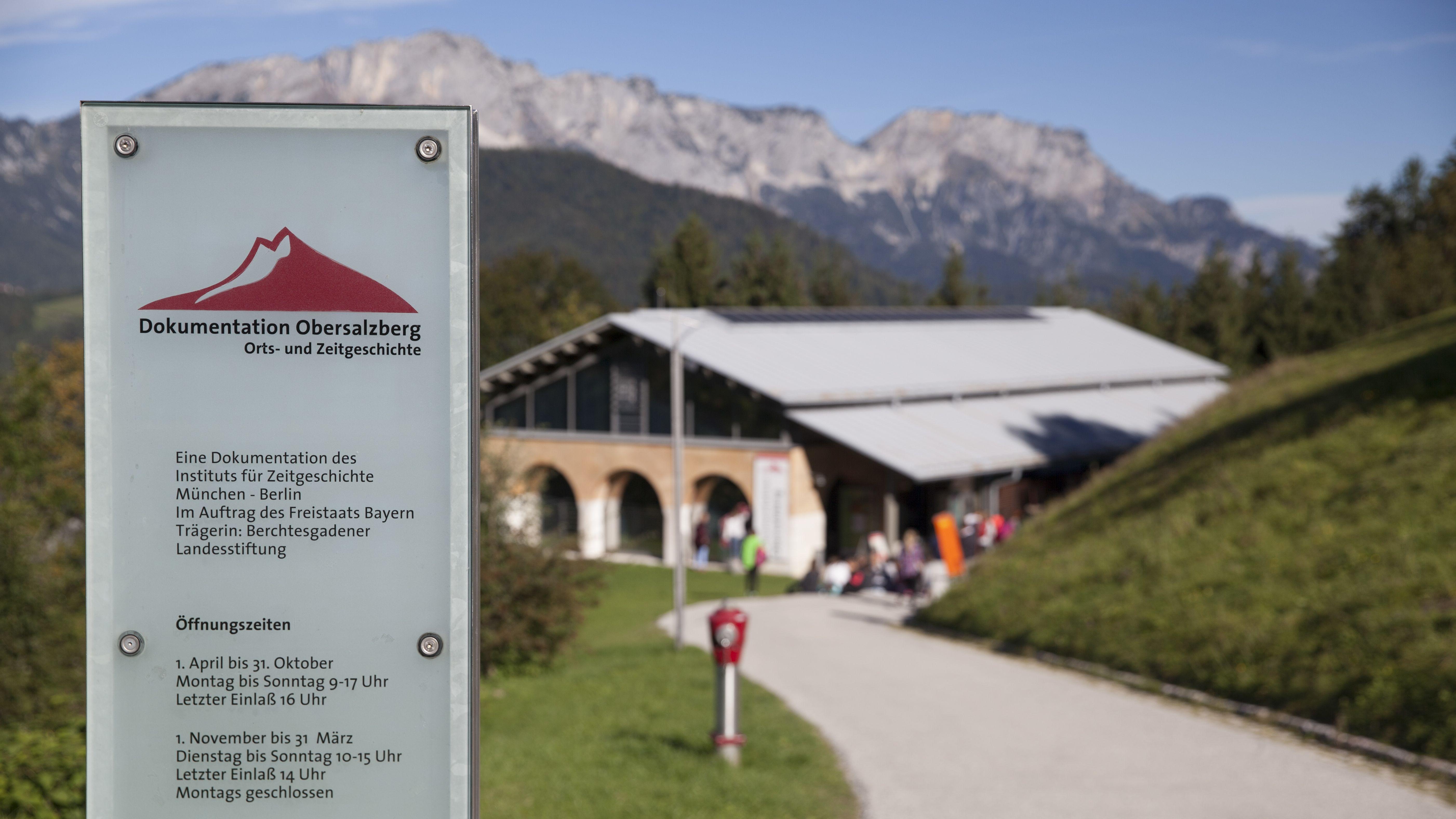 Eingang zum Dokumentationszentrum Obersalzberg.