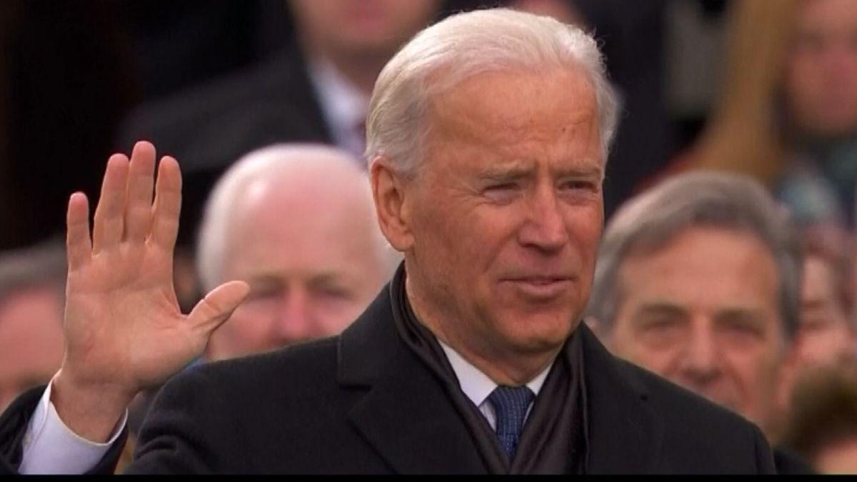 Joe Biden leistet Eid.