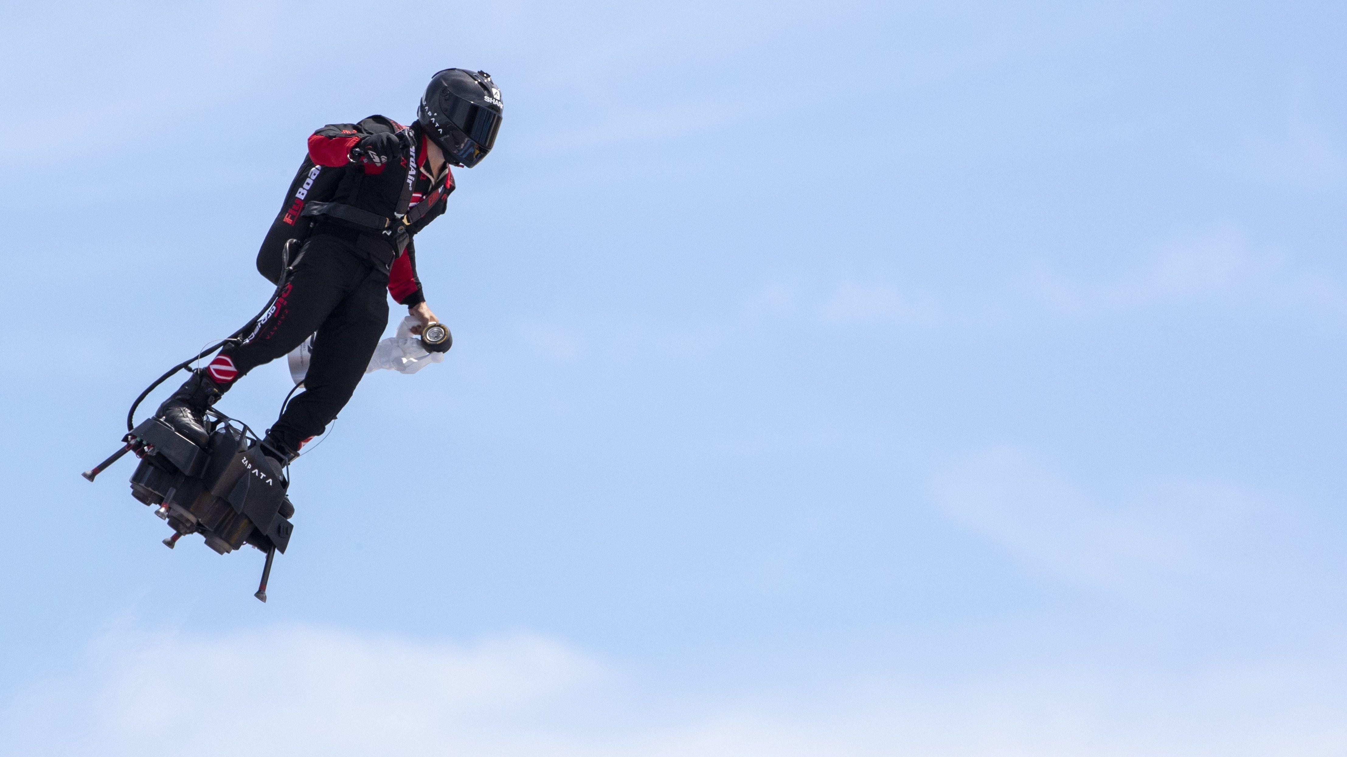 Flyboard Air - Franzose wollte Ärmelkanal überfliegen