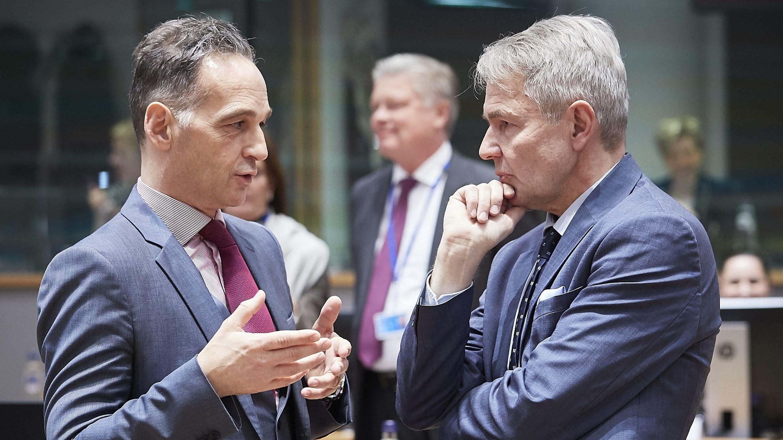 Außenminister Heiko Maas im Gespräch in Brüssel