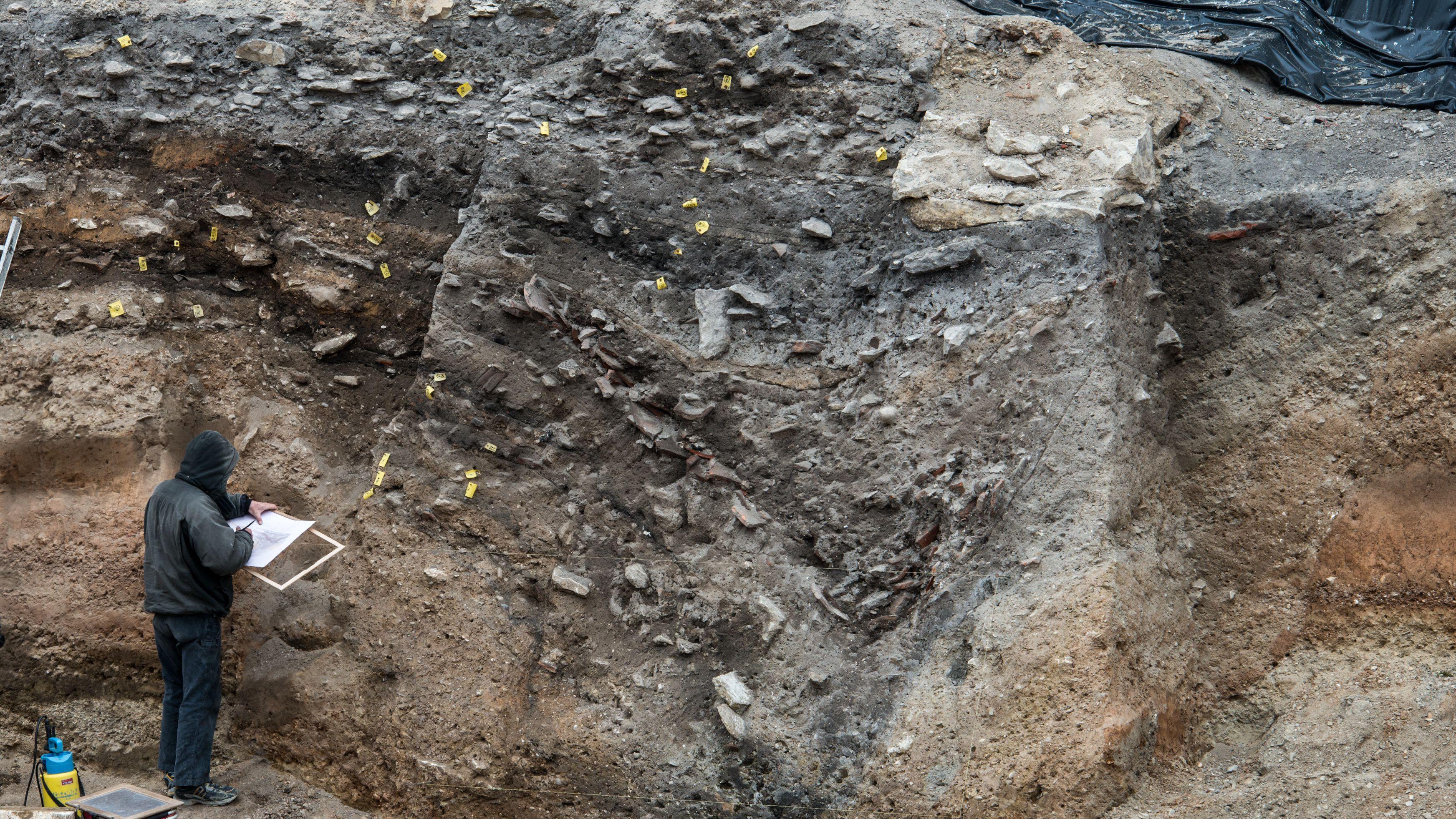 Grabungen nach römischem Legionslager in Regenburg (Archivbild).