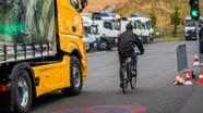 Symbolbild: Abbiegeassistenten für Lastwagen | Bild:dpa-Bildfunk/Jens Büttner