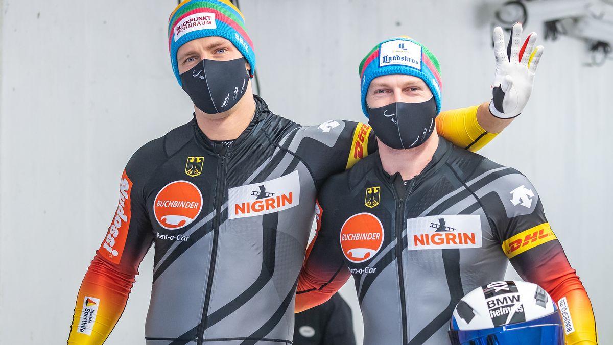 Das Bob-Duo Francesco Friedrich und Thorsten Margis nach dem zweiten Lauf im Herren-Zweisitzer in Igls.