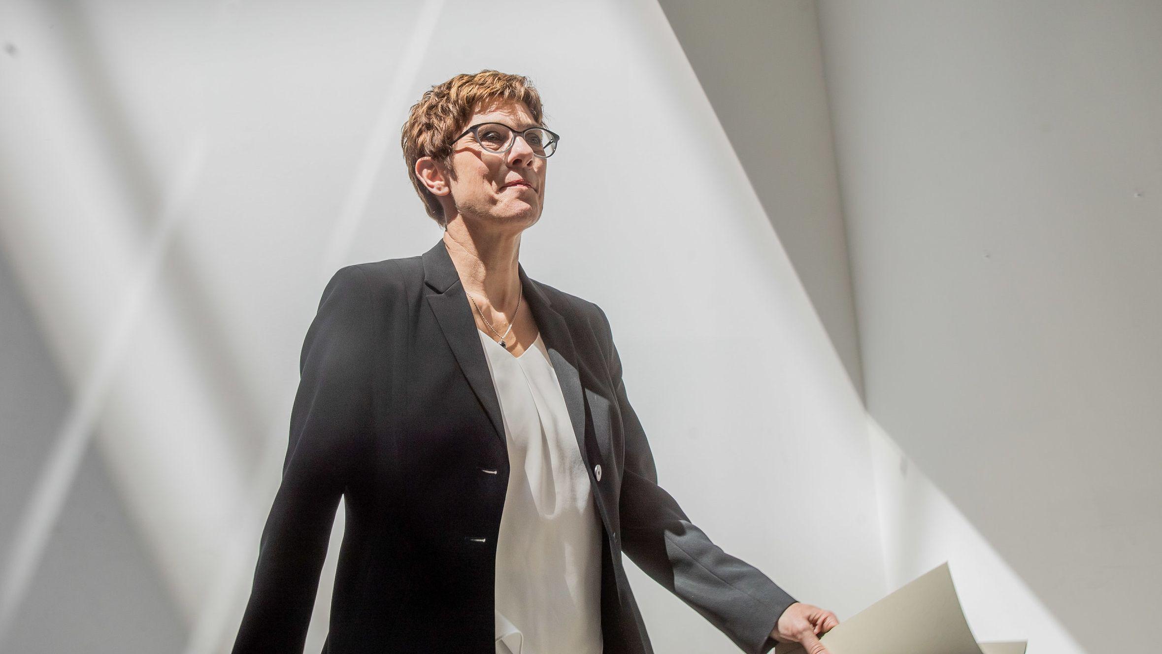 Annegret Kramp-Karrenbauer, Bundesvorsitzende der CDU, bei der Pressekonferenz nach der Klausur des CDU Bundesvorstands am 3. Juni 19