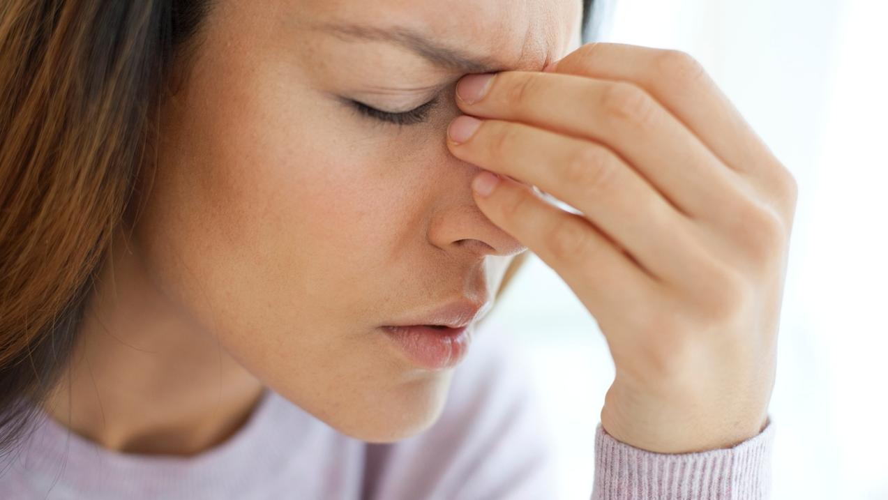 Frauen leiden häufiger unter Kopfschmerzen.