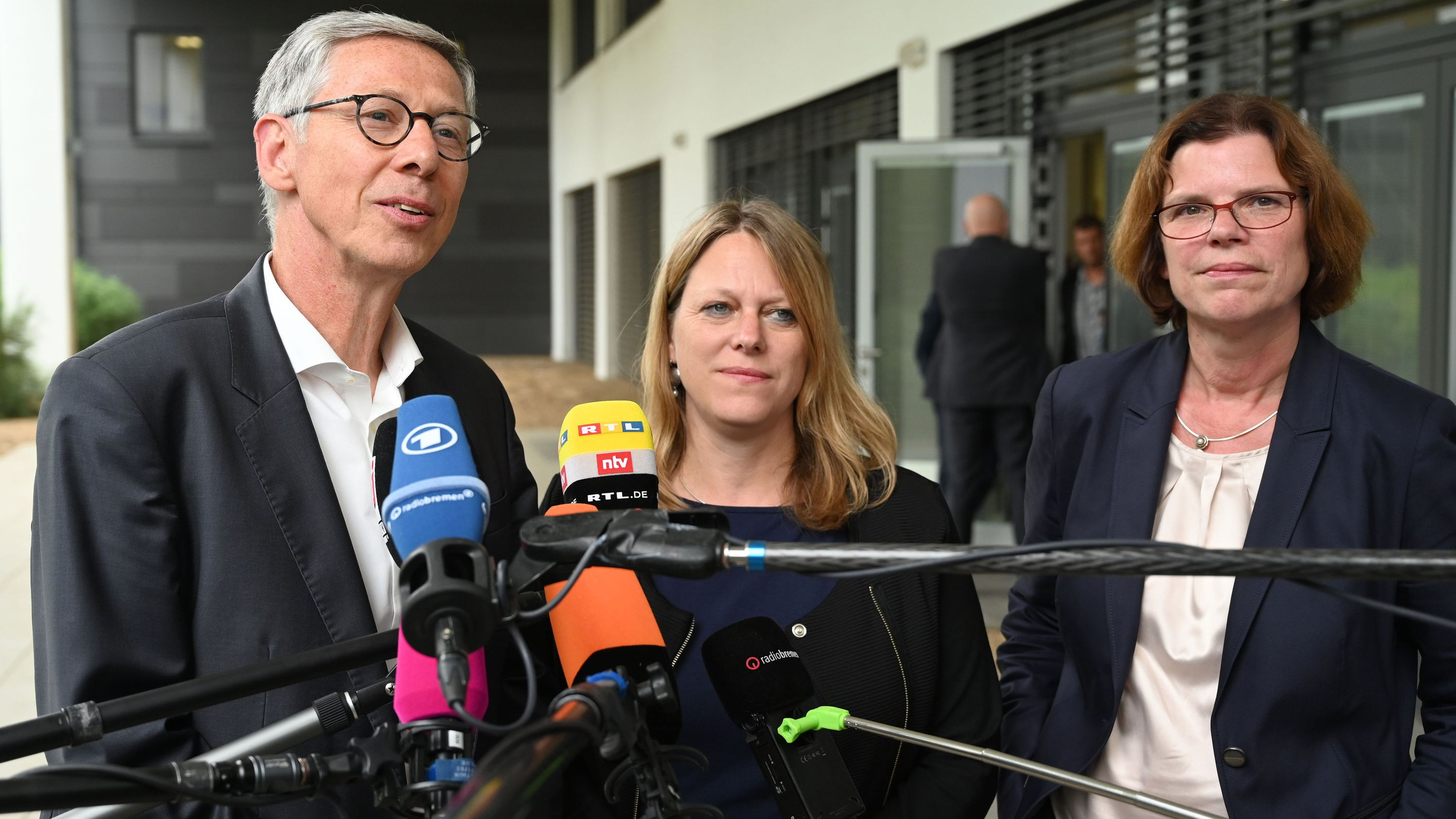 Carsten Sieling (SPD), Maike Schaefer (B90/Grüne) und Kristina Vogt (Die Linke)