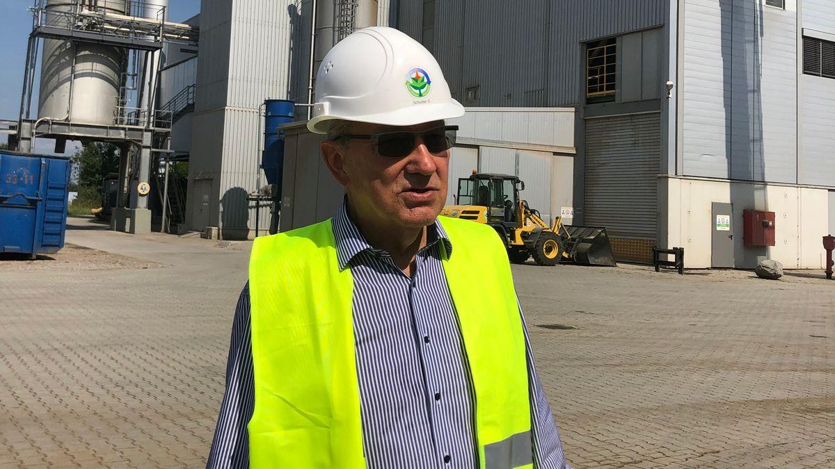 Siegfried Schuster, der Chef des Heizkraftwerks.